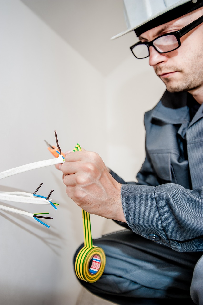 commercial electrician. ballarat electricalcompan for all large and small electrical works with licensed electricians.
